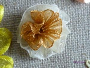 fleur-300x225 Broderie dans Broderie au ruban
